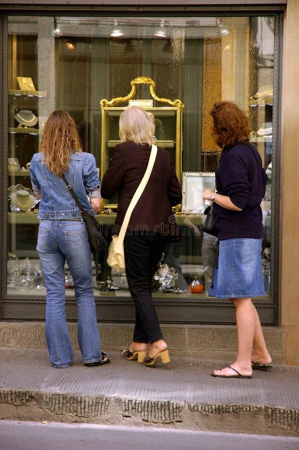 Het Winkelen van het venster stock fotografie