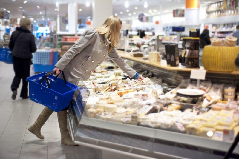 Het winkelen van kruidenierswinkels royalty-vrije stock foto's