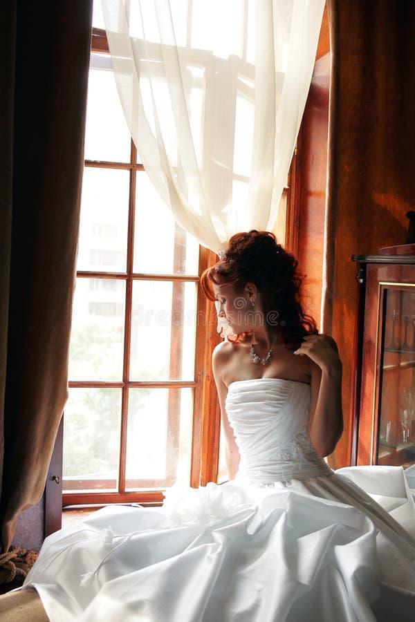 Het wit van de de dagbruid van het huwelijk stock foto's