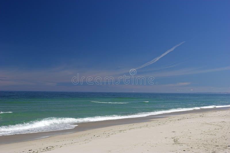 Het witte Strand van het Zand royalty-vrije stock fotografie