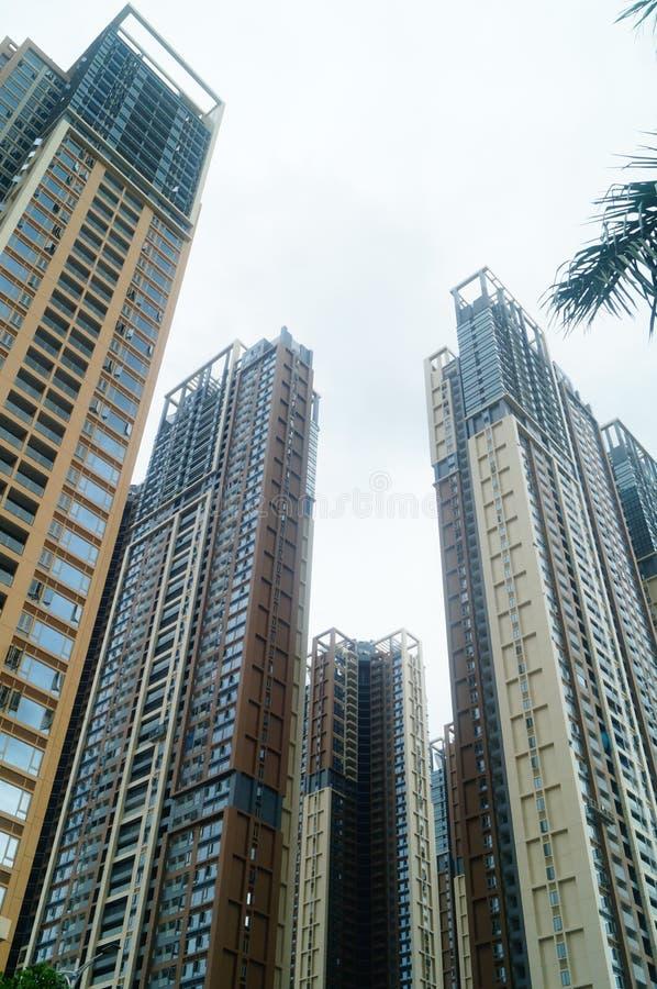 Het woon hoge gebouw is net voltooid stock afbeelding