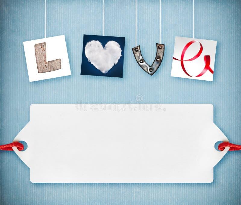 Het woord van de liefde dat van vier verschillende voorwerpen wordt gemaakt stock fotografie