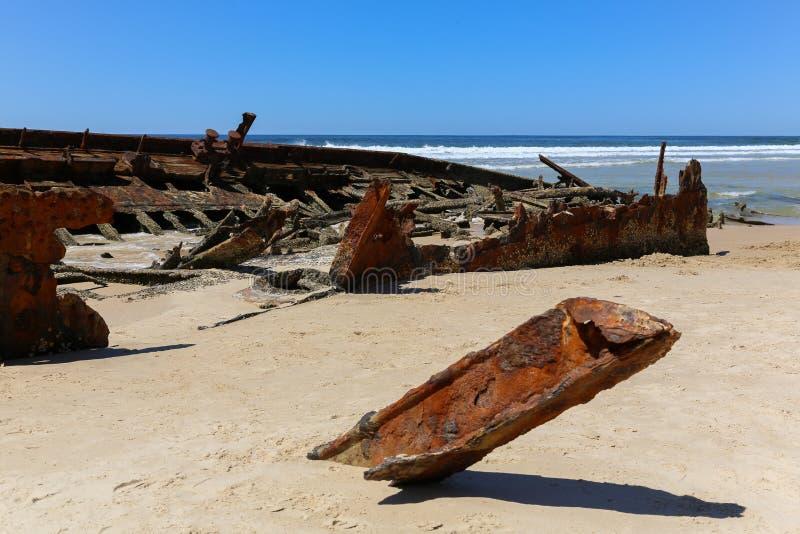 Het wrak van het Mahenoschip op Fraser Island-strand royalty-vrije stock afbeelding
