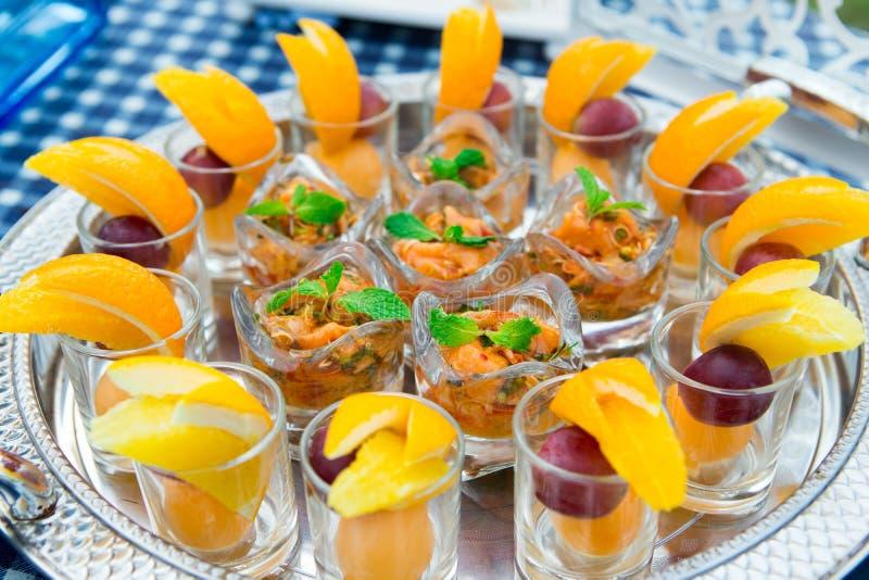 Het Yum ingeblikte oranje huwelijk van de fruitcocktail stock foto