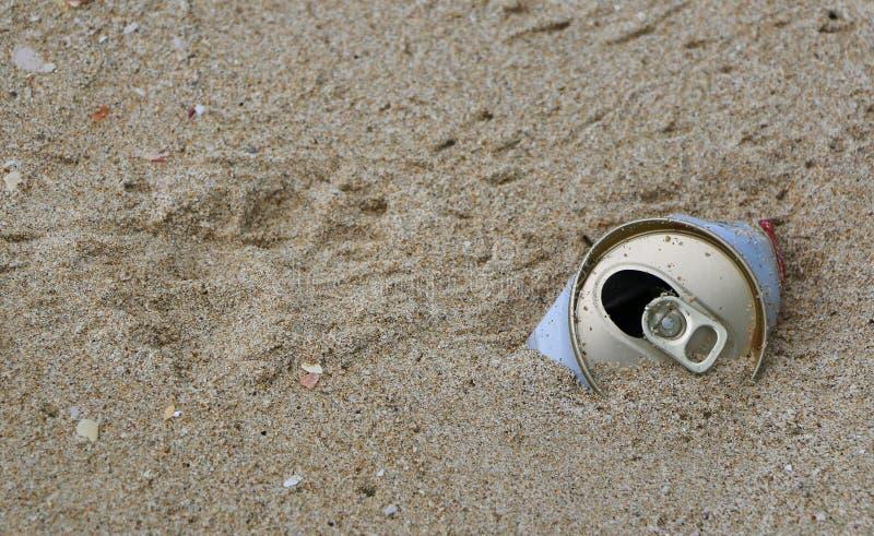 Het zand en kan royalty-vrije stock foto