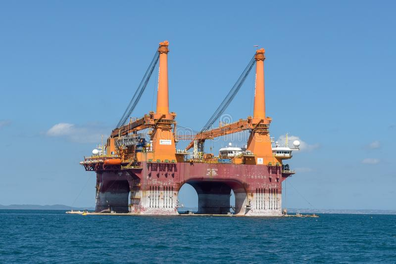 Het zeeplatform van de olieboring dichtbij Salvador de Bahia op Brazilië royalty-vrije stock foto's