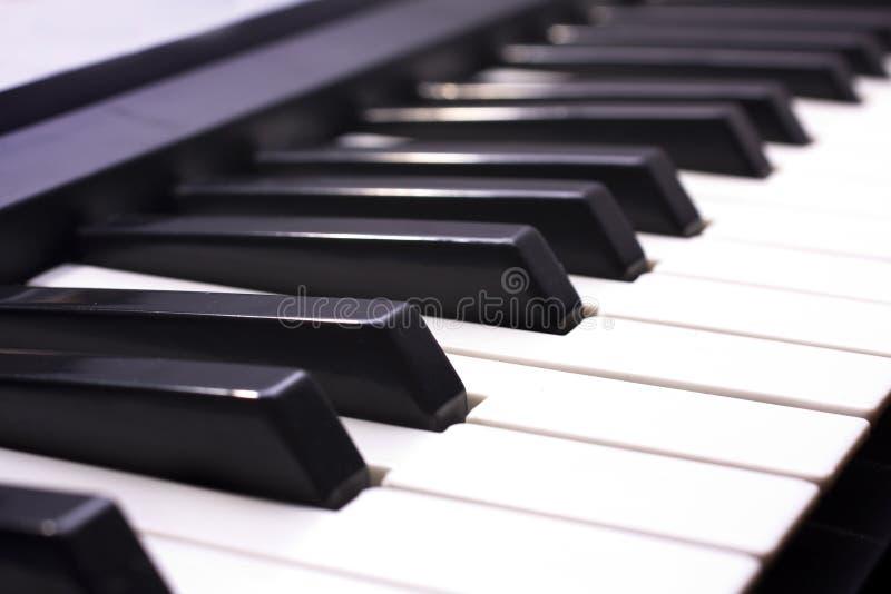 Het Zeer belangrijke dichte omhooggaande schot van de piano royalty-vrije stock afbeeldingen