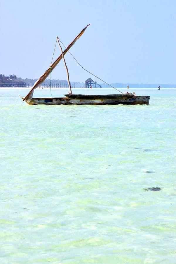 het zeewierpijler van strandzanzibar stock afbeelding