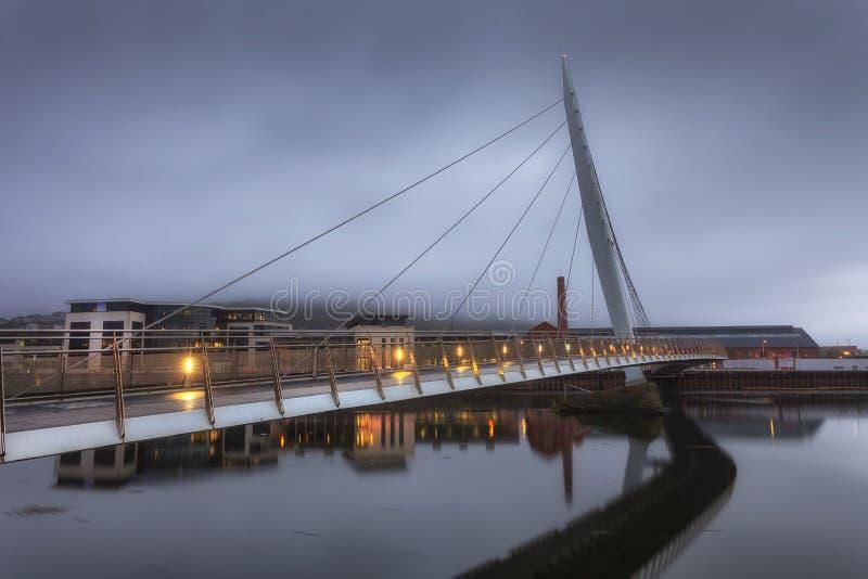 Het Zeilbrug en Jachthaven van Swansea stock foto's