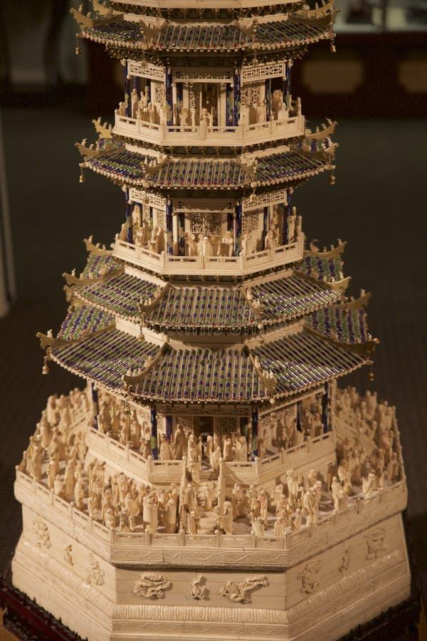 Het zeldzame hand-Gesneden stuk van de ivoor Chinese kunst bij het Belz-Museum stock foto's