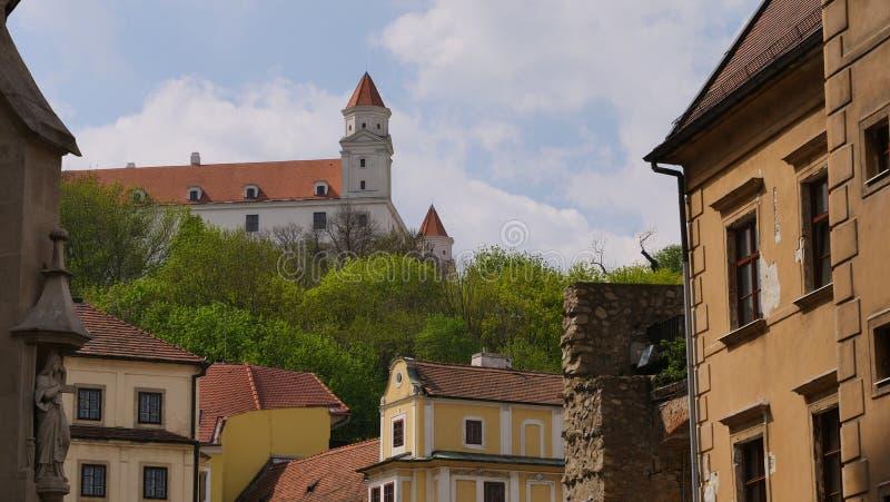 Het zijaanzicht van Bratislava Castle stock foto