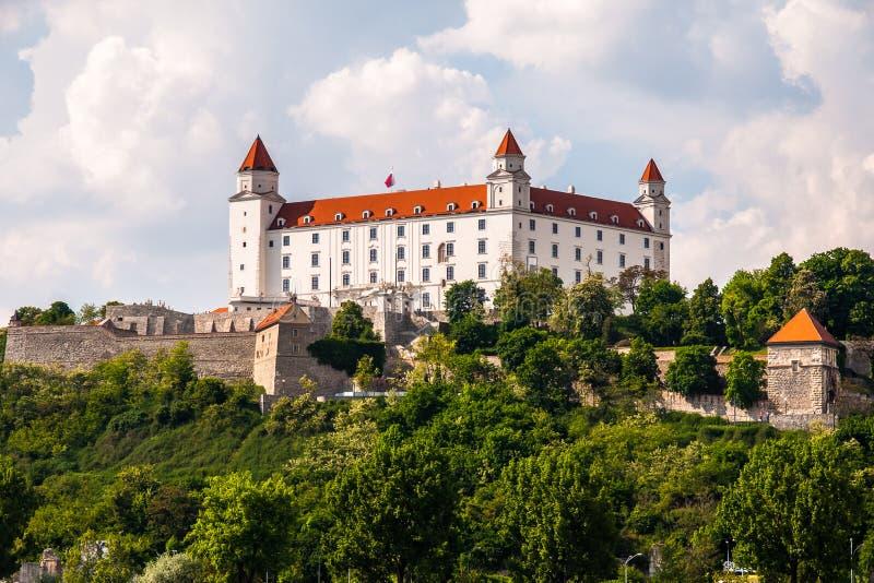 Het zijaanzicht van Bratislava Castle stock afbeelding