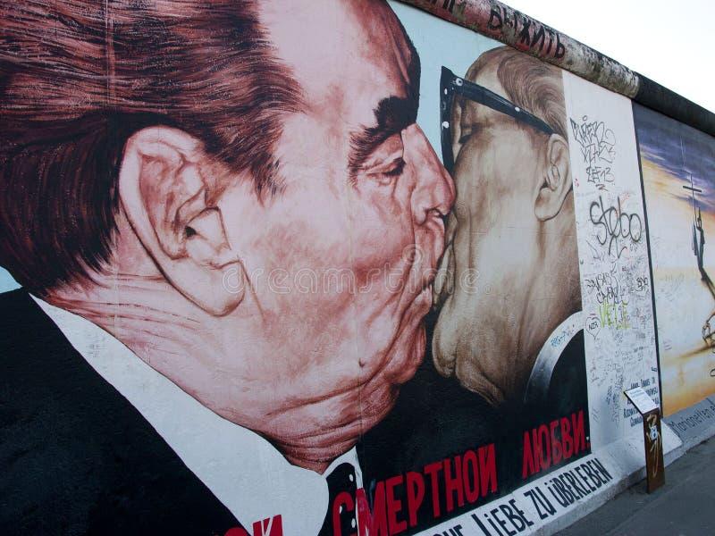 Het zijalbum van het oosten, de Muur van Berlijn stock foto's