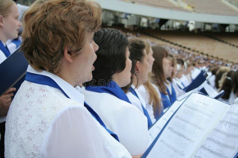 Het zingen van het koor royalty-vrije stock afbeeldingen
