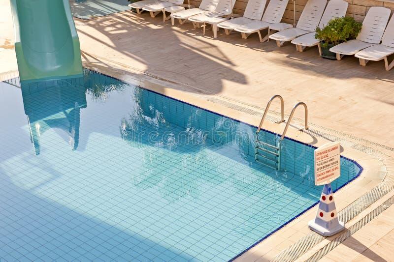 Het zwembad van het hotel royalty-vrije stock afbeelding