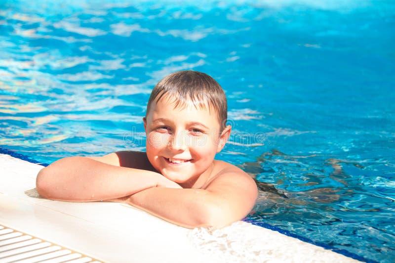 Het zwemmen - de waarborg van gezondheid royalty-vrije stock fotografie