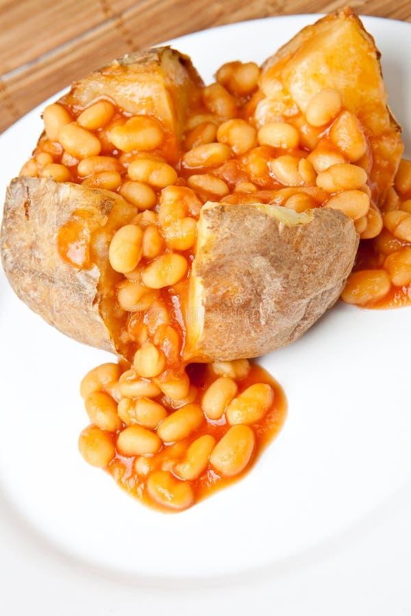 Hete en knapperige aardappel in de schil royalty-vrije stock afbeelding