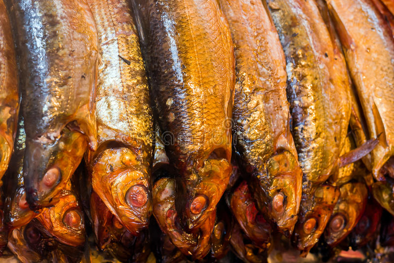 Hete gerookte vissen Baikal omul stock afbeelding