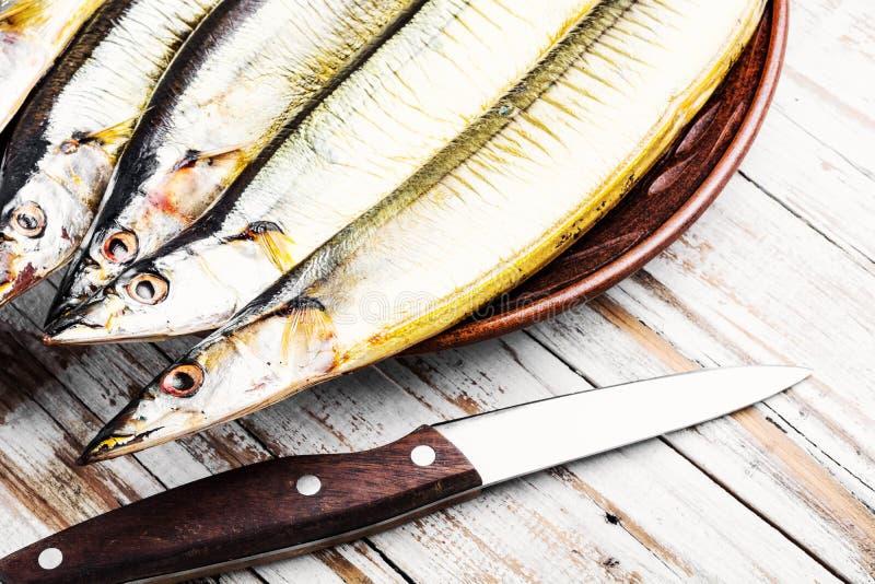 Hete gerookte vissen op plaat royalty-vrije stock foto's