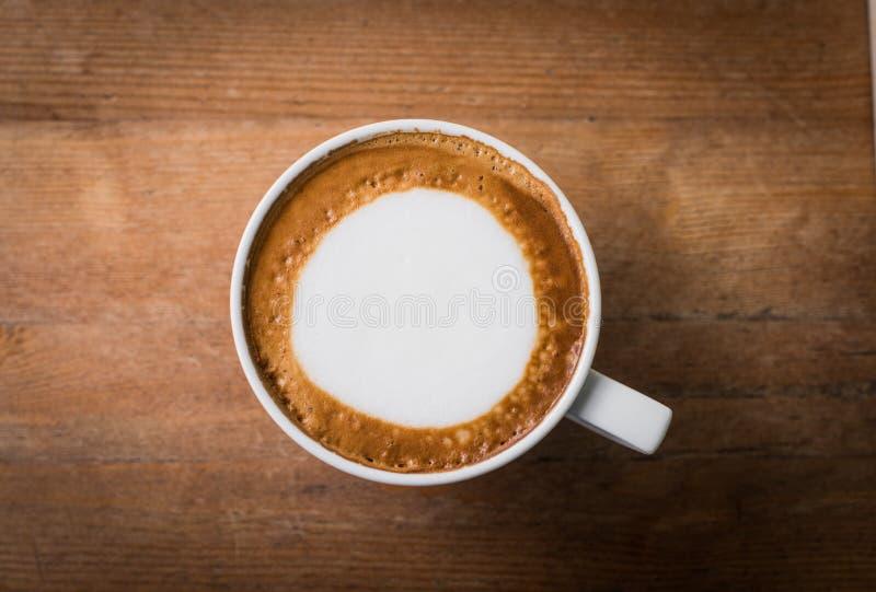 Hete koffie met de kunst van de schuimmelk, latte kunstkoffie royalty-vrije stock afbeeldingen