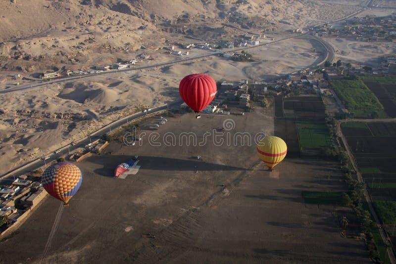 Hete lucht het ballooning stock afbeeldingen