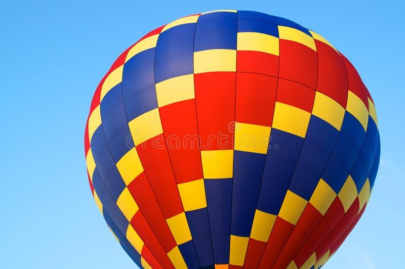 Download Hete Luchtballon Van Primaire Kleuren Stock Afbeelding - Afbeelding bestaande uit ballon, rood: 54078901