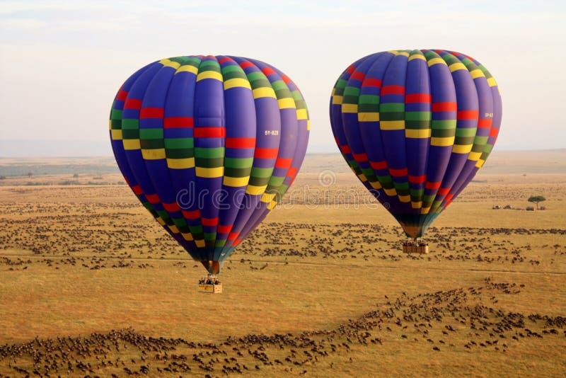 Hete Luchtballons die stijging uitgaan royalty-vrije stock afbeeldingen