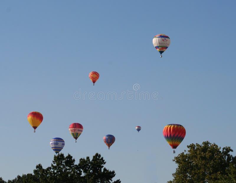 Hete Luchtballons tijdens de vlucht tijdens het St Louis MO ballonras royalty-vrije stock foto
