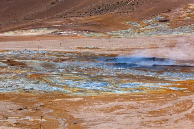Hete Modderpotten in het Geothermische Gebied Hverir, IJsland stock foto's