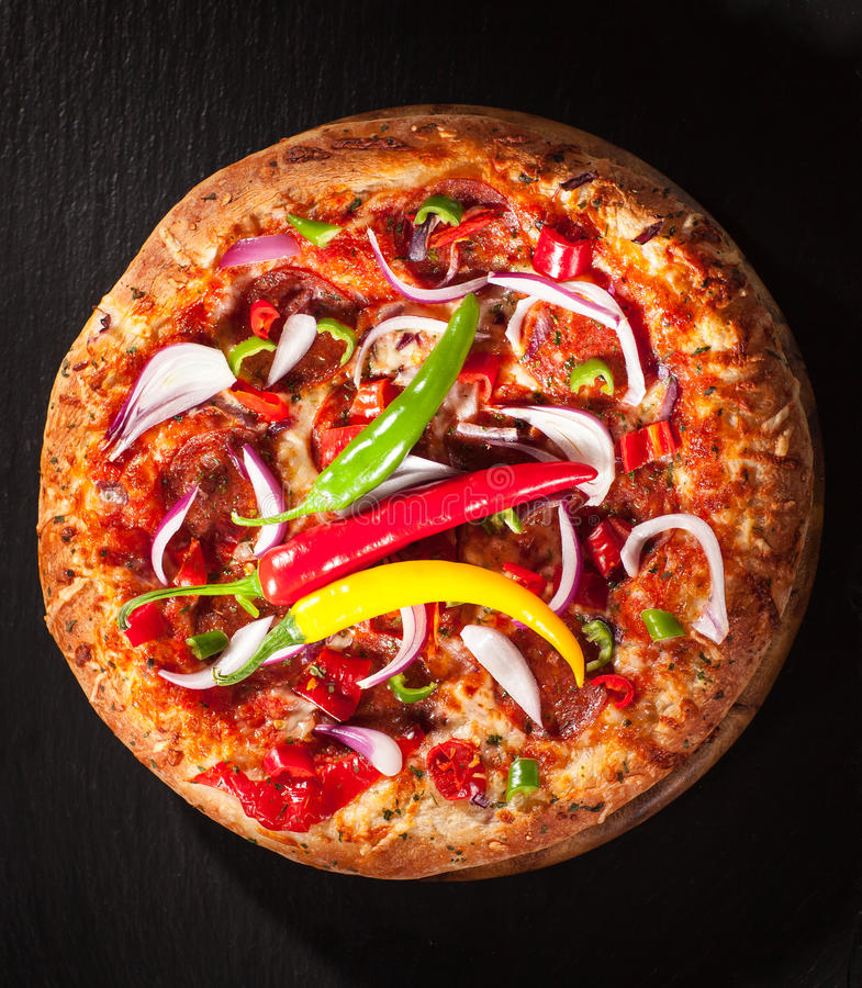 Hete Spaanse peper pizzawith ui royalty-vrije stock afbeelding