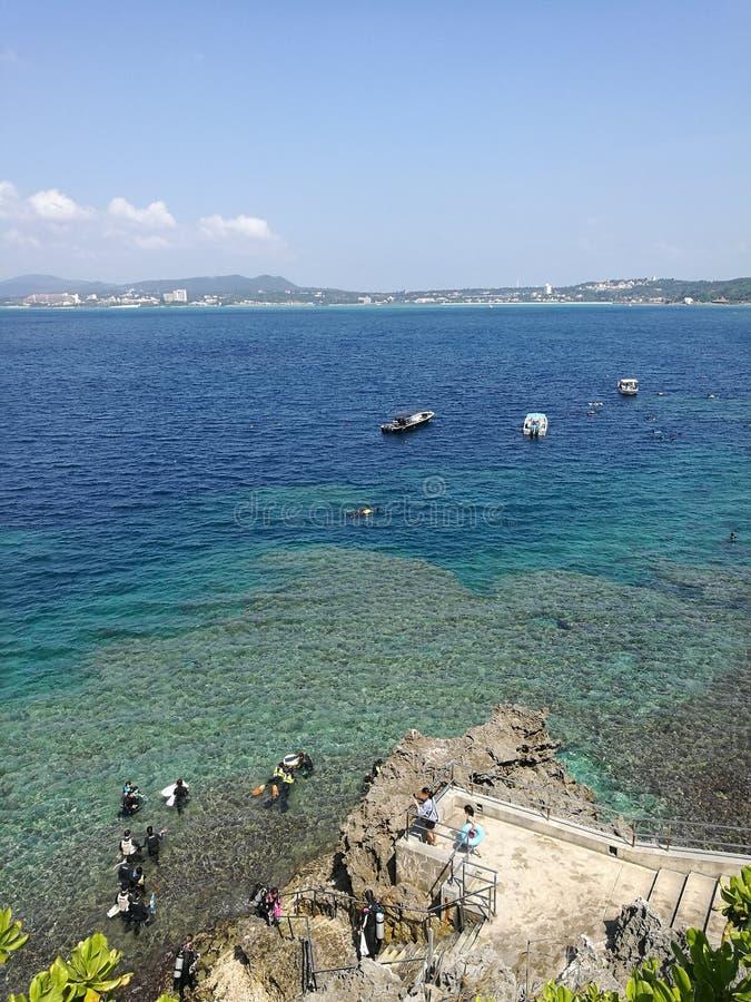 Heure d'été au bord de la mer image libre de droits