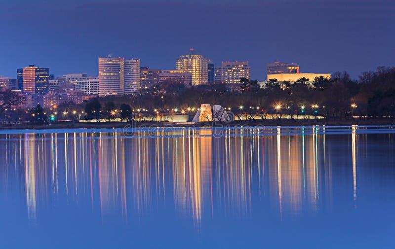 Heure de bleu d'horizon de Washington DC image stock