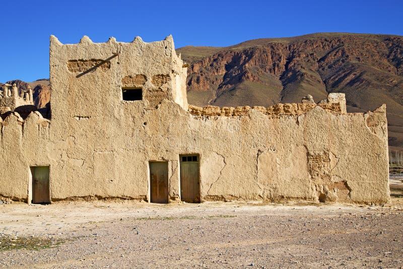 heuvel Afrika in oude contruction   historisch bric dorp stock fotografie