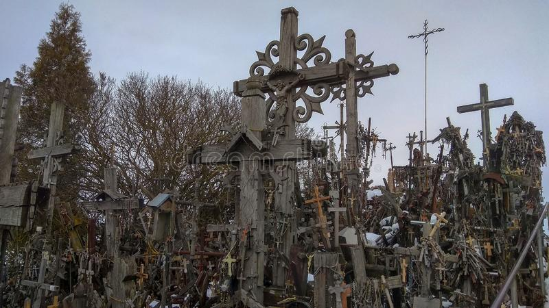 Heuvel van Kruisen Siauliai Litouwen stock foto