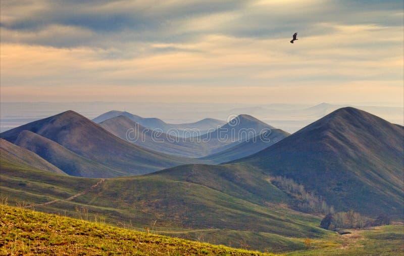 Heuvels in de herfstdag. royalty-vrije stock foto's
