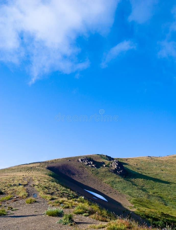 Heuveltop stock afbeelding