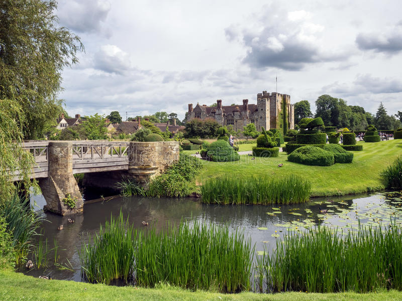 HEVER KENT/UK - JUNI 28: Sikt av den Hever slotten och jordning i H arkivbild