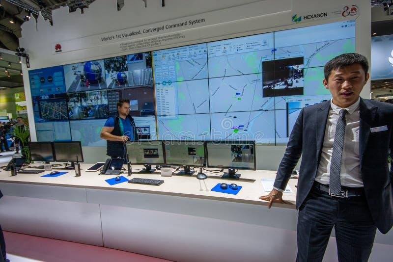 HEXAGON lief Kommandosystemstand im Stand von Huawei-Firma zusammen stockbild
