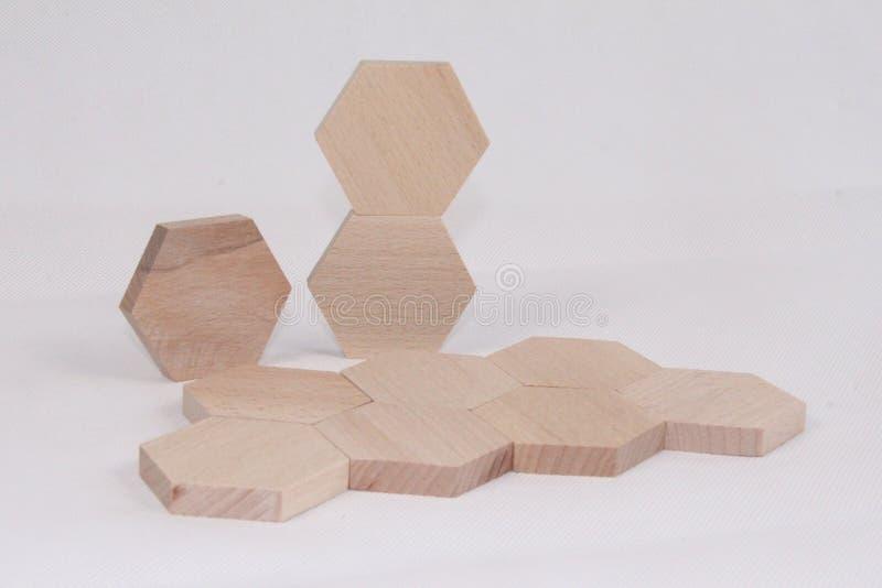 Hexagon pack Plusieurs raisons expliquent pourquoi le jeu heuristique est si bénéfique pour les enfants qui apprennent photo stock