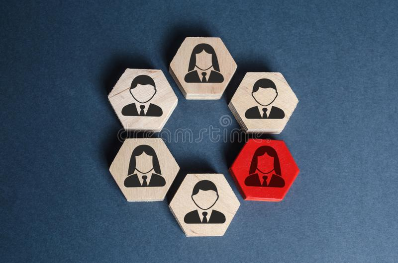 Hexagons with business employees in an organized structure. A red figure means a leader or employee is a weak link, toxic stock photo