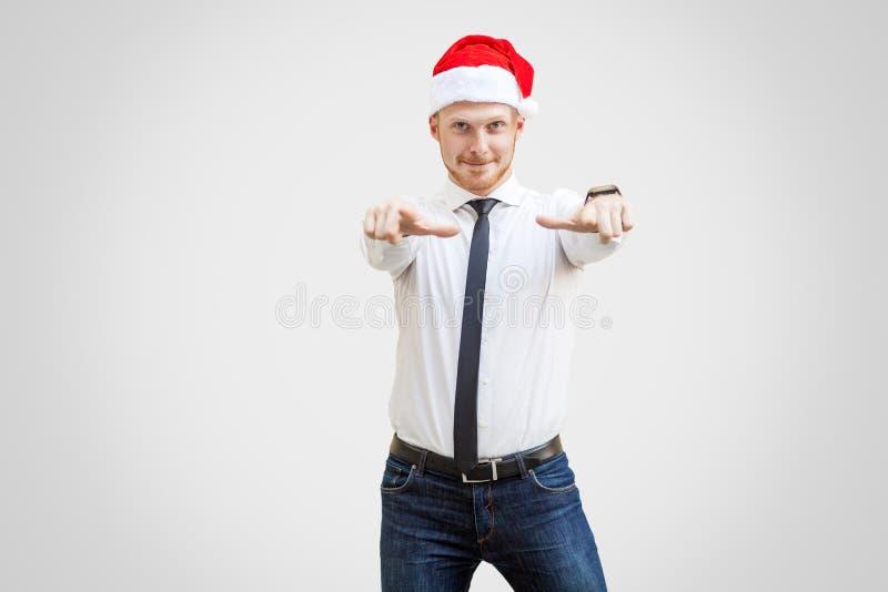 Hey u portret van positieve gelukkige knappe zakenman in whit stock afbeeldingen