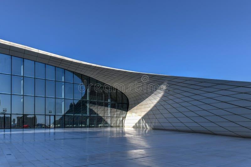 Heydar Aliyev Center - Bakou, Azerba?djan image stock