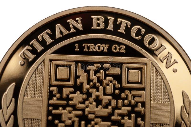 HGolden-Titan-Bitcoin auf weißem Hintergrund stockbilder