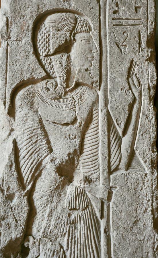 Hiéroglyphe égyptien dans la pierre image libre de droits