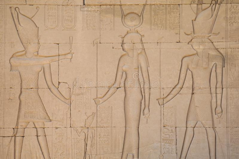 Hiërogliefen en tekeningen in de tempel van Hatshepsut royalty-vrije stock afbeeldingen