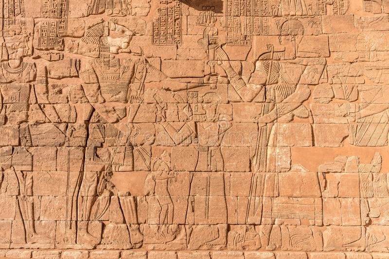Hiërogliefen van de Egyptische goden van Nubian royalty-vrije stock afbeelding