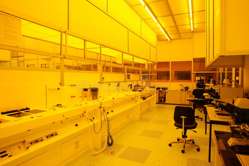 Download Hi-tech Yellow Light Clean Room Stock Image - Image: 12019485