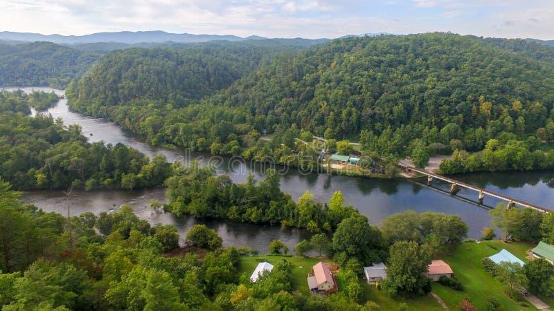 Hiawassee-Fluss im Vertrauen, Tennessee stockfotografie
