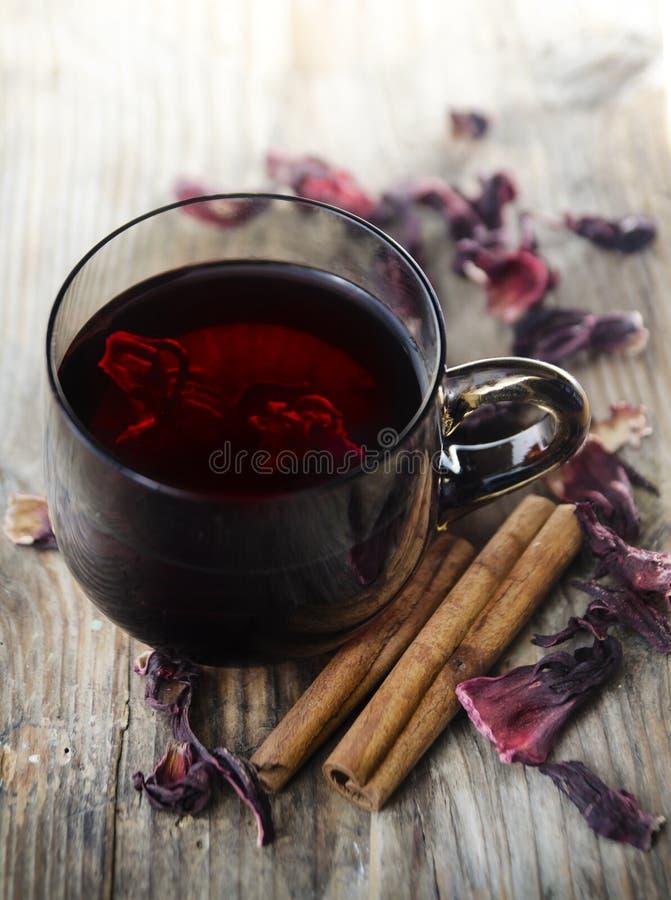 Hibiscus-Tee lizenzfreie stockbilder