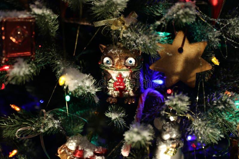 Hibou de jouet d'arbre de Noël photographie stock libre de droits
